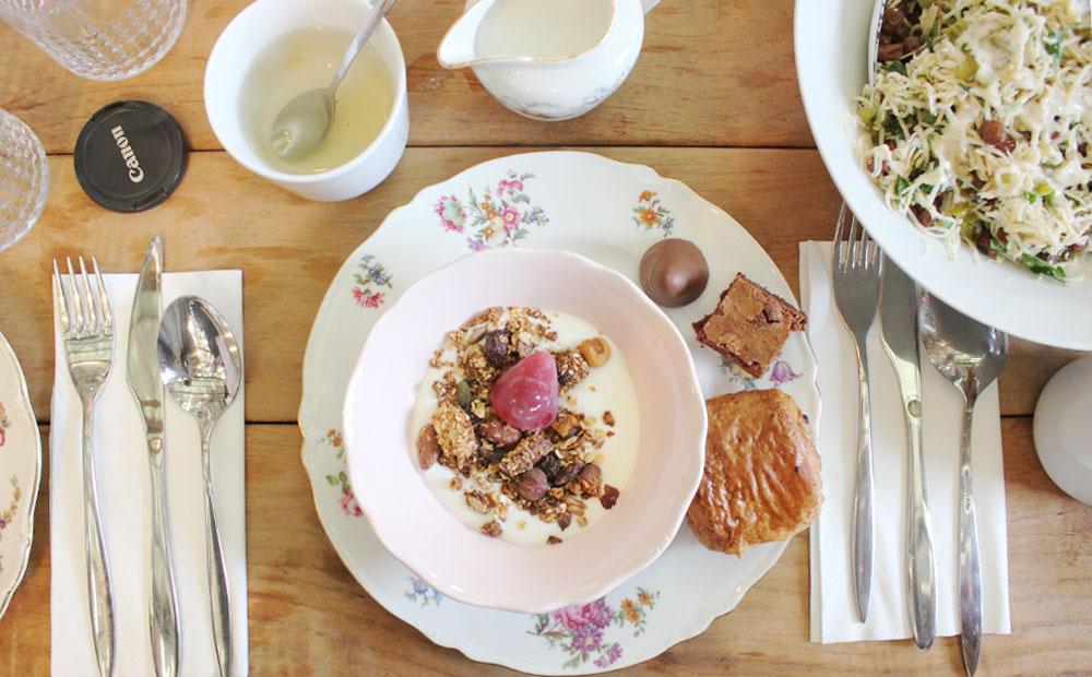 Bloggersbrunch gent ghent neuzekes geldhof alix table for Brunch jardin